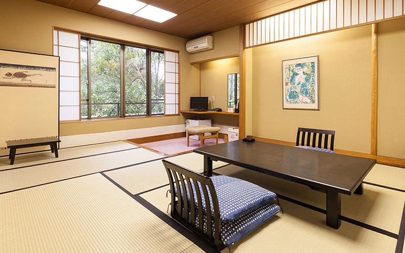 宿泊客室または、会食室…10畳、全室浴室、トイレ、冷暖房完備